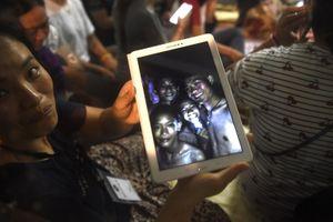 Đội bóng Thái Lan sống sót thần kỳ trong hang sâu suốt 9 ngày