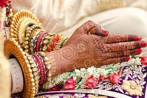Cô dâu hủy hôn ngay khi đang cưới vì chú rể sợ sét đánh