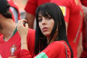 Bồ Đào Nha bị loại, CĐV trút giận lên bạn gái của Cristiano Ronaldo
