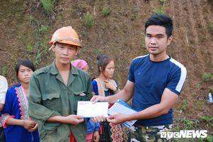 VTC News trao 50 triệu đồng cho các hộ dân vùng tâm lũ Lai Châu
