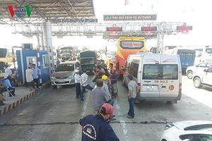 Trạm thu phí Ninh Lộc ở Khánh Hòa liên tục xả trạm vì bị dân phản đối