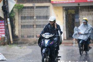 Nhiều khu vực trong cả nước đều có mưa và dông vào đêm nay