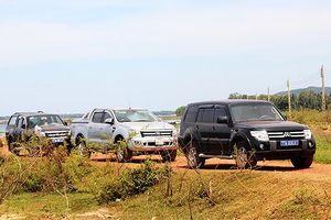 Chính quyền đối thoại, người dân đầm Trà Ổ trả lại xe công vụ