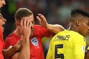 'Jordan Henderson ăn vạ nực cười chẳng khác nào Neymar'