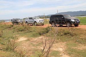 Dân thả xe cán bộ sau khi nghe đối thoại