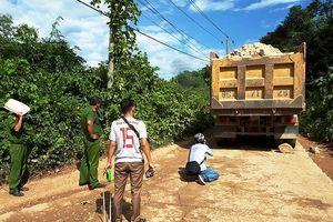 Thừa Thiên - Huế: Ô tô tải trôi dốc đè chết người