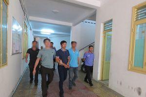 Khởi tố, bắt tạm giam một cán bộ công an huyện sửa hồ sơ vụ án đánh bạc