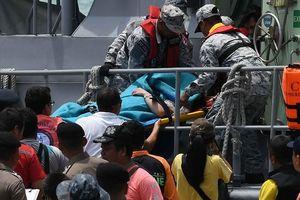Hơn 40 người đã thiệt mạng trong vụ tàu du lịch Thái Lan bị lật ngoài biển Phuket