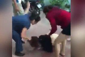 Mẹ chồng và con dâu đi đánh ghen bồ nhí của con trai