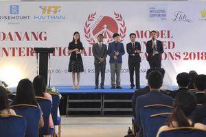 Giới trẻ tái hiện hoạt động của Liên Hiệp Quốc tại... Đà Nẵng