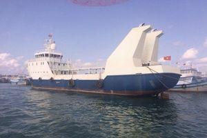 Va vào bãi cạn, tàu 2.000 tấn gặp nạn trên biển Bình Thuận