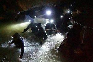 Chiến dịch 'nghẹt thở' giải cứu đội bóng Thái Lan phức tạp hơn vụ thợ mỏ Chile