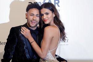 Bạn gái minh tinh khen Neymar hết lời sau trận thua trước Bỉ