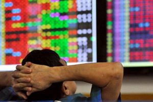 Tiểu điểm kinh tế tuần: Bước vào tháng 7, chứng khoán đã bị 'thổi bay' 7,5 tỷ USD
