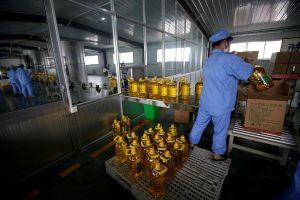 Dân Trung Quốc lo hàng hóa Mỹ tăng giá