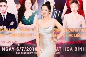 Đinh Hiền Anh lộng lẫy chinh phục khán giả trong đêm nhạc Bằng Kiều tại Sài Gòn