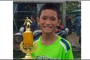 Thể thao 24h: 'Cầu thủ nhí' thoát khỏi hang Tham Luang hâm mộ Muangthong