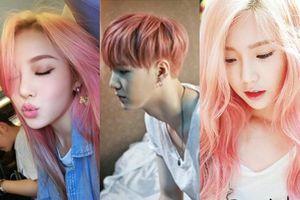 Hóa ra TaeYeon SNSD và Suga BTS đã chơi màu tóc chanh hồng trước thiên hạ cả năm chứ chẳng đùa