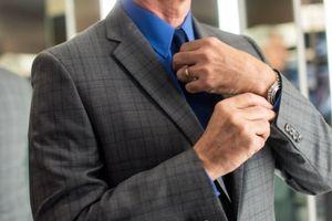 Cà vạt làm giảm lưu lượng máu tới não đến 7,5%?