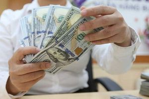 USD giảm nhẹ phiên đầu tuần