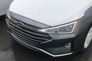 Hyundai Elantra 2019 xuất hiện trong nhà máy ở Hàn Quốc