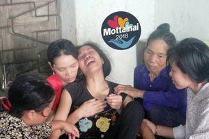 Người mẹ trẻ khóc ngất khi cùng lúc mất 2 con vì tai nạn giao thông