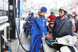 Bộ Công Thương đề xuất tăng thuế bảo vệ môi trường với xăng dầu theo lộ trình