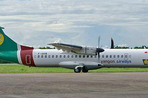 Nứt kính chắn gió, máy bay Myanmar hạ cánh khẩn cấp