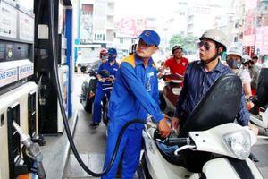 Tăng thuế môi trường xăng dầu: Đi kèm nỗi lo lạm phát?