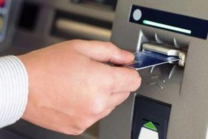 Lần thứ 2 NHNN yêu cầu dừng tăng phí rút tiền nội mạng ATM