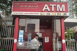 Ngân hàng đồng loạt giảm phí rút tiền về mức cũ