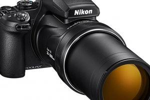 Máy ảnh siêu zoom 'xa ngỡ ngàng', giá ngang iPhone X