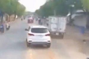 TPHCM: Tài xế ôtô 'giả điếc' quyết không nhường đường cho xe cứu hỏa