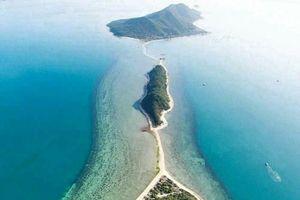 Viết tiếp bài cho thuê đảo làm du lịch nhưng không cho lối đi vào: 'Cưỡng chế cầu thì du khách bơi qua biển mà vào đảo'?