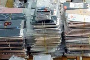 Bắt vụ vận chuyển điện thoại iPhone, máy iPad nhập lậu trị giá gần 2 tỷ đồng