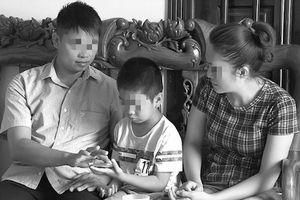 Vụ trao nhầm con ở Ba Vì: Vì sao 2 đứa trẻ vẫn chưa về được với bố mẹ đẻ?