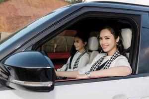 Hoàng My lái 'siêu xe' chở Mâu Thủy mang sách quý đến Sapa