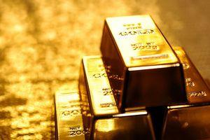 Giá vàng xuống mức thấp nhất trong 1 năm