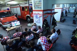 Lính cứu hỏa Croatia đang xem World Cup thì có chuông báo cháy và diễn biến đáng kinh ngạc