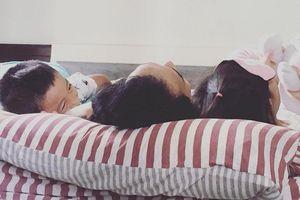 Sau scandal liên tiếp bị tố gạ tình, Phạm Anh Khoa tìm bình yên bên hai con