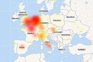 Facebook trên di động bất ngờ bị sập