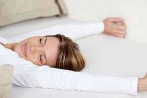 Bất ngờ với lợi ích của việc ngủ không dùng gối