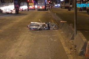 Chạy xe máy trong làn ô tô, một người bị xe container cán tử vong