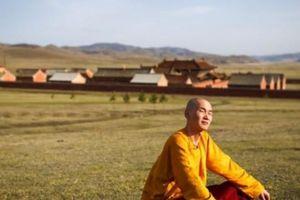 Trải nghiệm cuộc sống ở tu viện biệt lập giữa thảo nguyên Mông Cổ