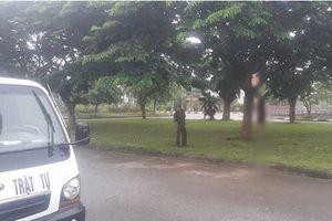 Bàng hoàng phát hiện người đàn ông chết trong tư thế treo cổ trên cây