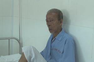 Ông cụ 92 tuổi tự té bất tỉnh không nhớ người thân ở đâu