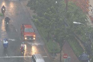Hết nắng nóng, bắt đầu mưa to