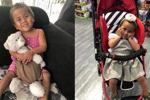 Sau hơn nửa năm về nhà mới, cô bé Mường Lát tật nguyền đã có thể tự đi trên đôi chân mình