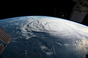Các nhà khoa học quan sát tâm bão để cải thiện dự báo cường độ