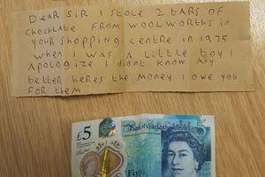 Viết thư xin lỗi cửa hàng vì trộm 2 thanh chocolate cách đây 40 năm
